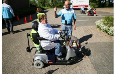 Scootmobielgebruikers kunnen training van Veilig Verkeer Nederland volgen in De Bilt